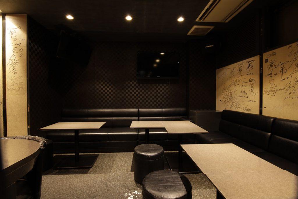 K's bar − 店内②