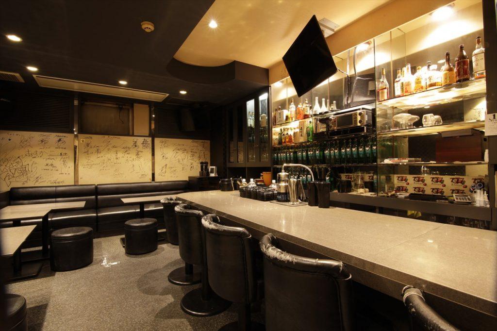 K's bar − 店内③