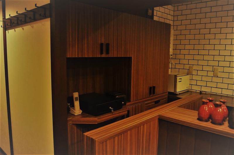 ジョイフル酒肴小路 新装企画店舗 401号室 − レジ棚