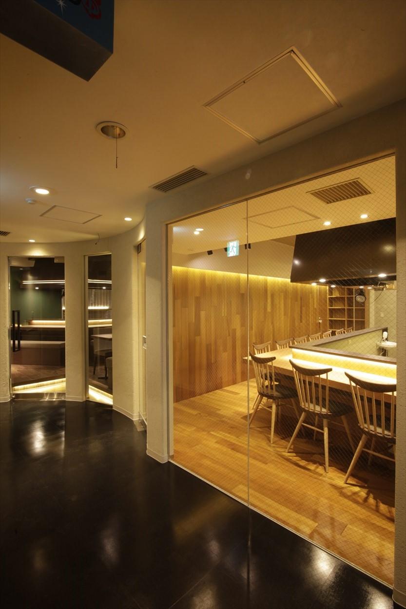 ジョイフル酒肴小路 新装企画店舗 206号室 − 入口