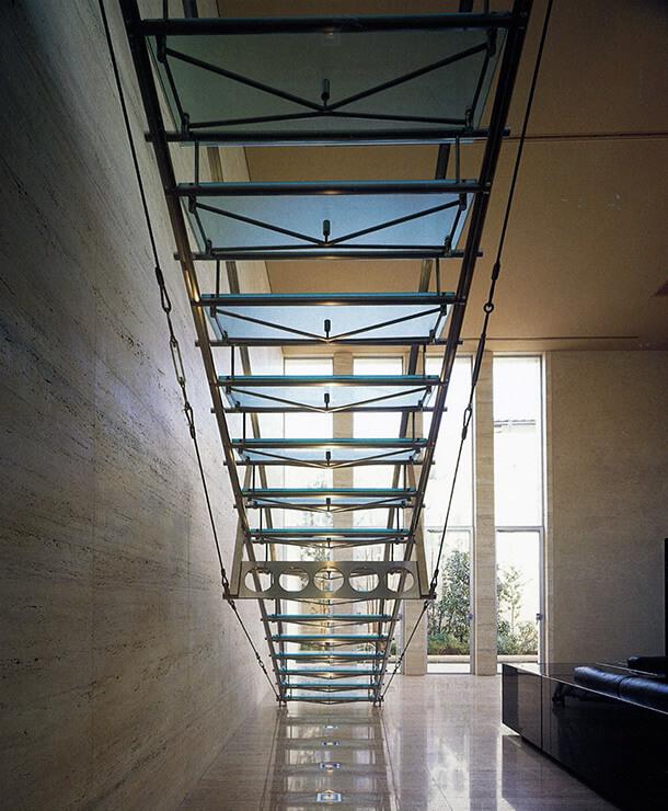 ジャスマックスタジオ八雲 1階ガラスの階段